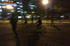 上海一大学:自行车、宠物狗操场乱窜惹公愤!