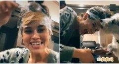 超爱心!英国女子帮宠物狗剪指甲在头上抹花生酱吸引狗狗!